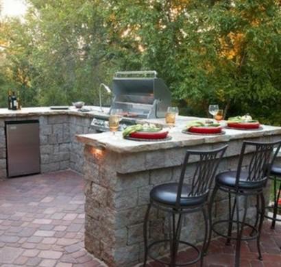 Outdoor k che mit grill ausgestattet for Outdoorkuche mit grill