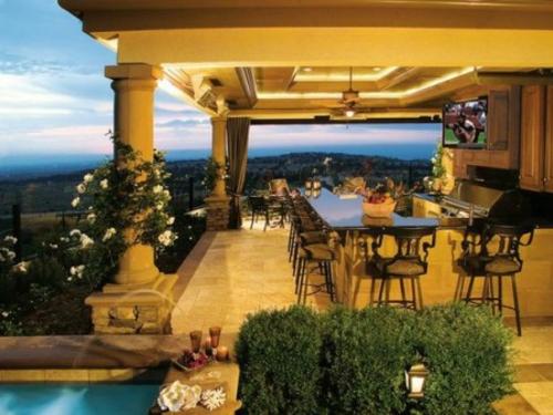 Outdoor Küche mit Grill tisch glas oberfläche