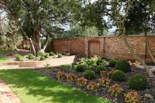 Prächtige Gartengestaltung eigenart charakter  zaun garten