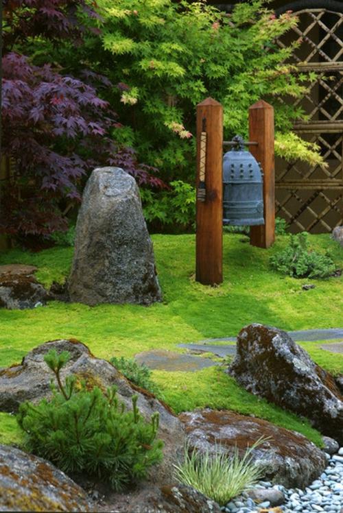 Prächtige Gartengestaltung gras pflanzen steine