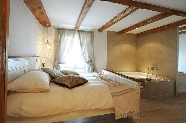 romantisches design mit einer badewanne im schlafzimmer. Black Bedroom Furniture Sets. Home Design Ideas