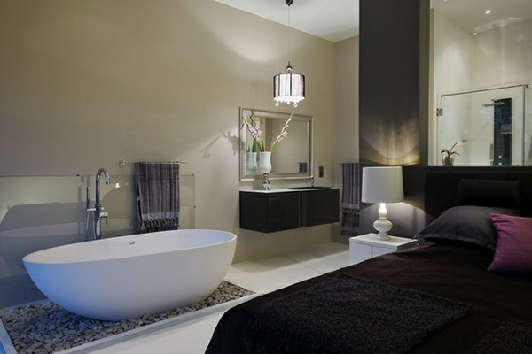 romantisches design mit einer badewanne im schlafzimmer. Black Bedroom Furniture Sets. Home Design Ideas