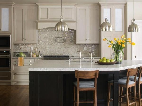 coole Küchenrückwand besteck weiß grau hängelampe