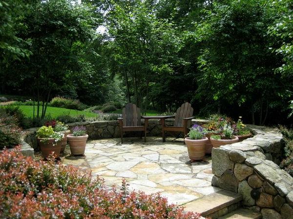 Landschaft im Garten blumentopf ton gartenstühle