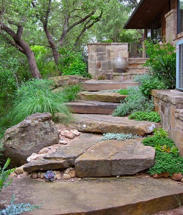 tolle Landschaft im Garten bodenvasen treppe trittstufen