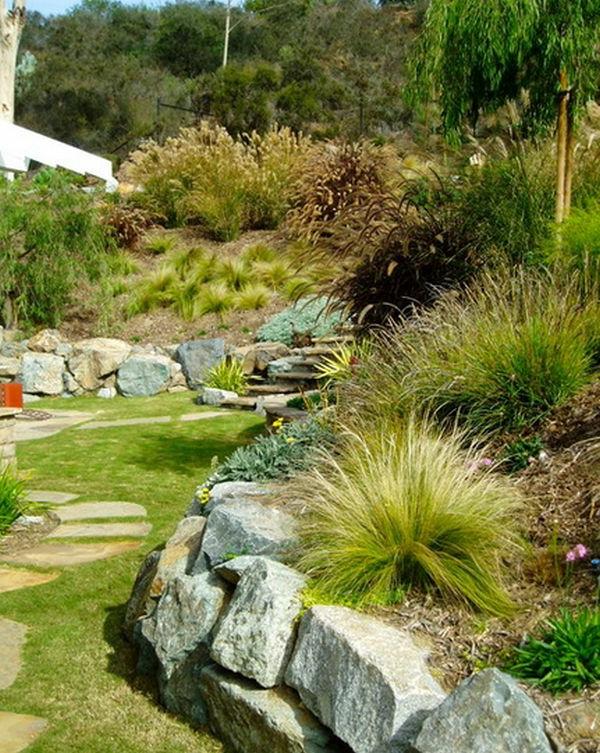 originelle Landschaft im Garten grenzen randen gras