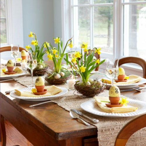 Tischdeko zu Ostern eierschale blümchen rustikal fenster