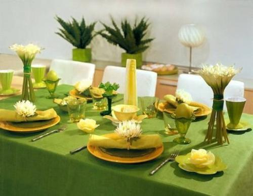 Tischdeko zu Ostern eierschale grün tischdecke teller orange