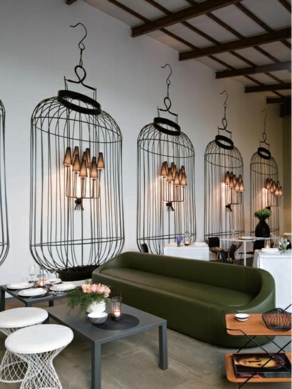 Wanddeko mit Fototapeten restaurant käfige wandlampen