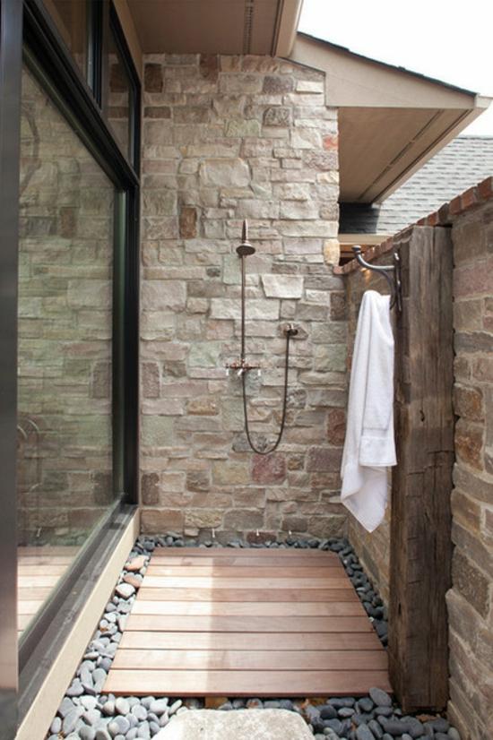 außendusche selber bauen auf der terrasse