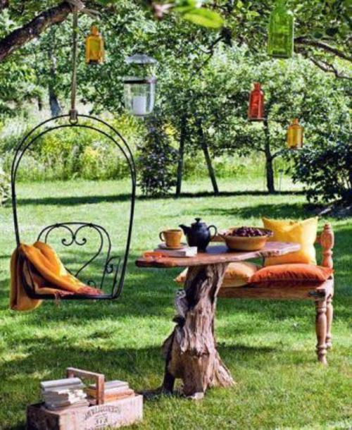 originelle gartendeko gartentisch naturholz