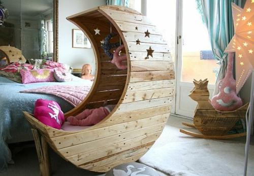 mond babywiege aus europaletten. Black Bedroom Furniture Sets. Home Design Ideas