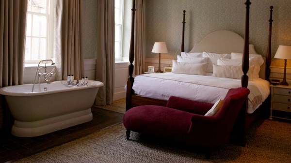 Romantisches design mit einer badewanne im schlafzimmer - Badewanne glastrennwand ...