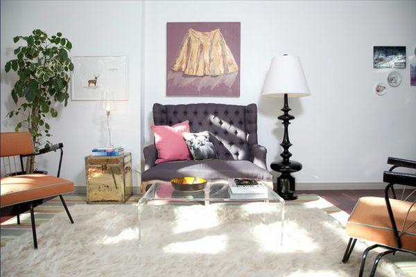 Couchtisch aus Acrylglas passt zu jeder Wohnzimmereinrichtung