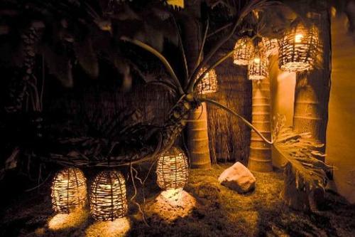 gartenbeleuchtung tipps ideen nachtsüber hängeleuchte aus rattan