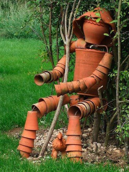 garten möbel ideen außenmöbel künstlerisch blumentöpfe skulptur
