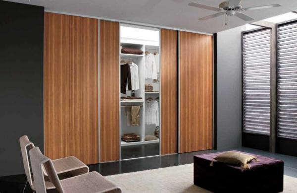 gleittüren schlafzimmer eingebaut garderobe holz metall kiefer nussbaum
