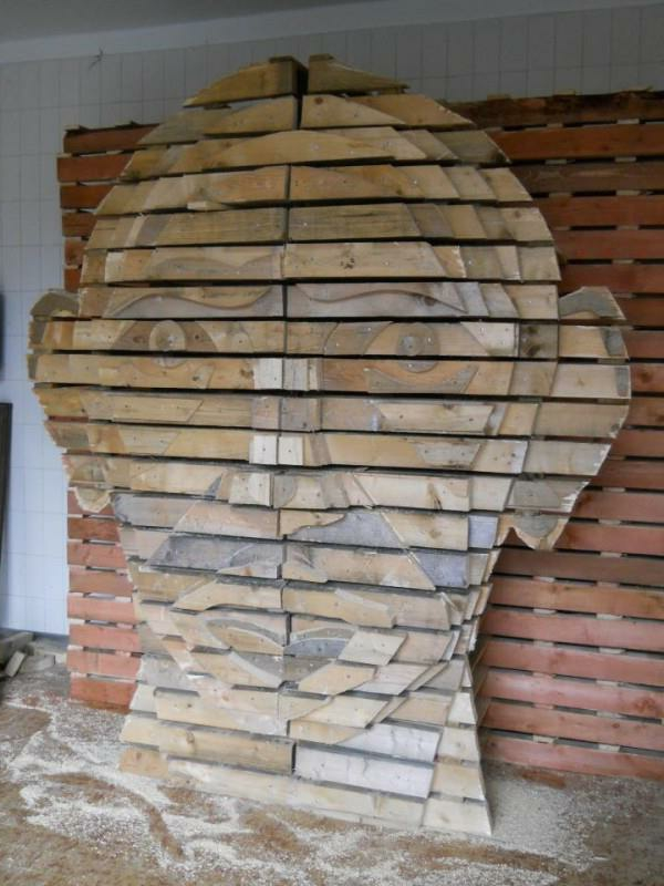 holz paletten möbel selbst basteln DIY ideen art kunstvoll kopf