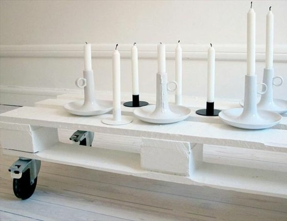holz paletten möbel selbst basteln DIY ideen rollen platte
