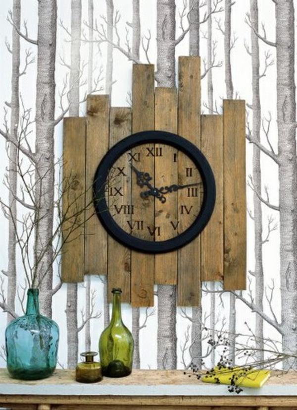holz paletten möbel selbst basteln DIY ideen wanduhr