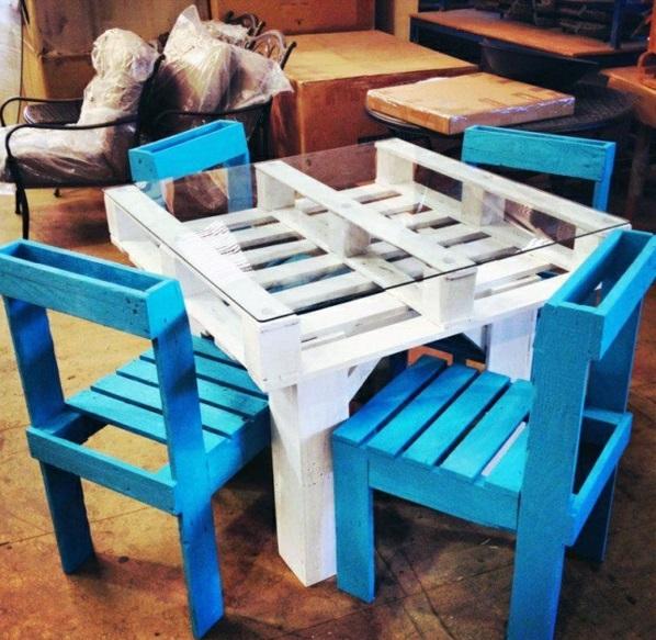 holz paletten möbel selbst basteln DIY ideen weiß blau