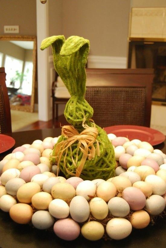 ideen osterdeko basteln korb moos gras osterhase ostereier natürlich färben
