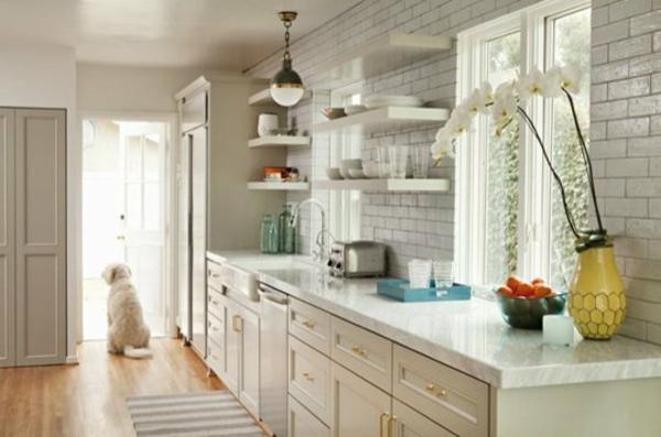 ikea küchenschrank weißes holz kleiner teppich