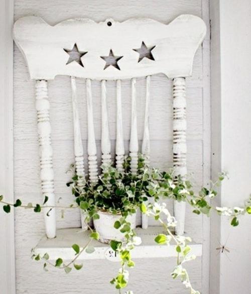 kreative dekoideen blumenständer alter stuhl weiß