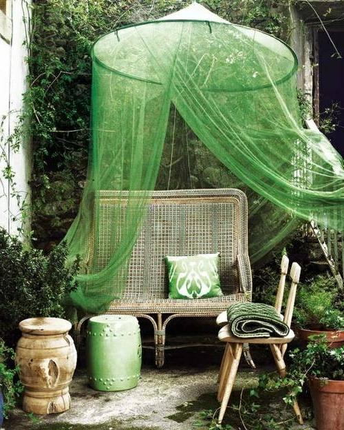 gardinen grün sitzbank rückenlehne stuhl prächtigen garten gestalten