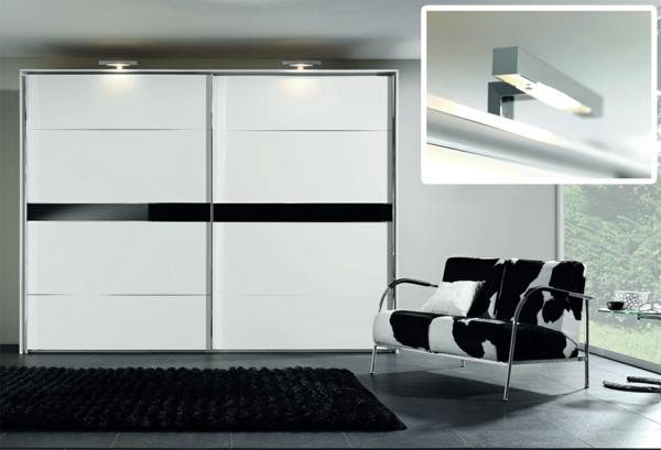 moderner kleiderschrank im Schlafzimmer  glanz oberfläche