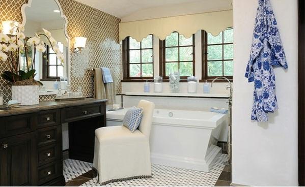 mediterrane Badezimmer Designs blau weiß muster