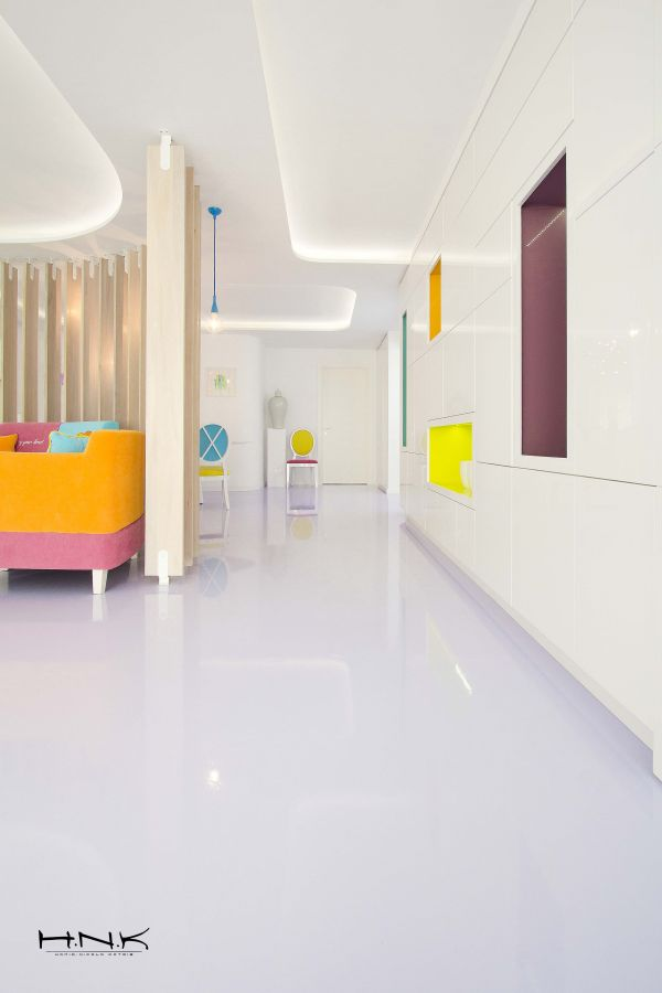 Modernes apartment mit lebendiger farbpalette in bukarest for Innenarchitektur wo studieren