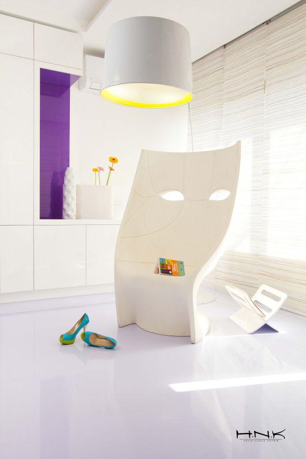 modernes apartment mit lebendiger farbpalette nicola katrib wohnbereich