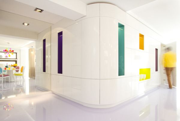 modernes apartment mit lebendiger farbpalette nicola katri