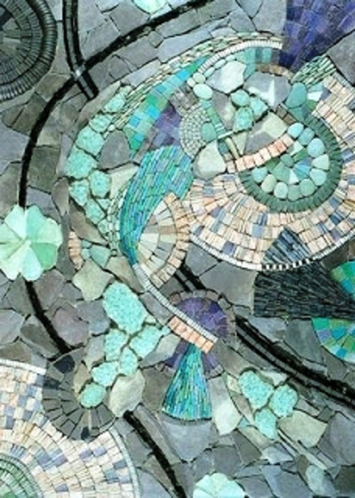 mosaik im garten seladongrün grau steine