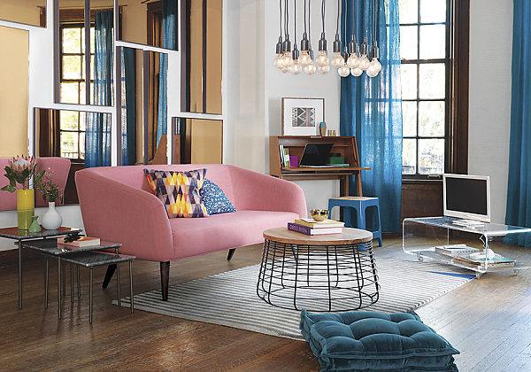 natürliche Materialien und Stoffe im Innendesign rosa sofa