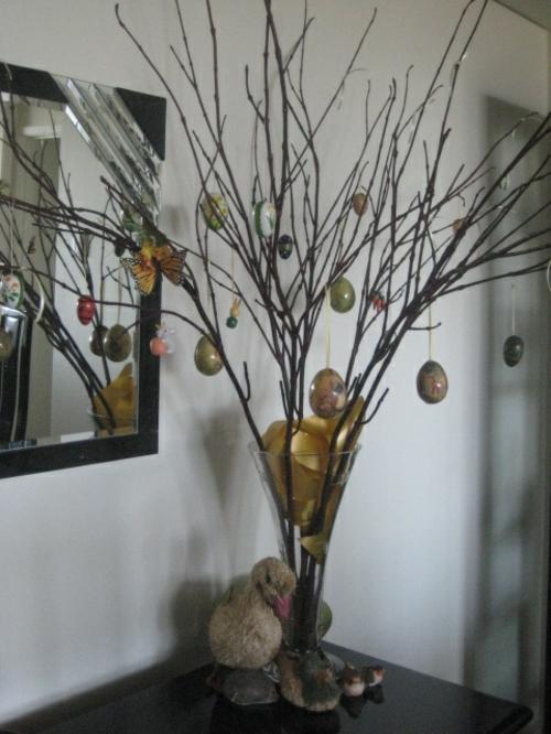 originelle osterdekoration glasvase osterbaum