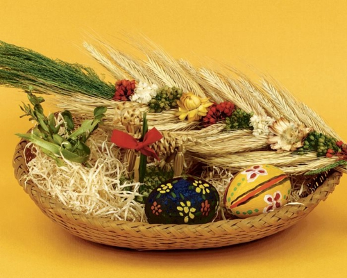 originelle osterdekoration osterkorb bunte eier getreide
