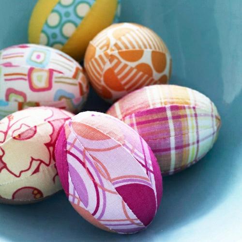 originelle osterdekoration stoff eier bunt