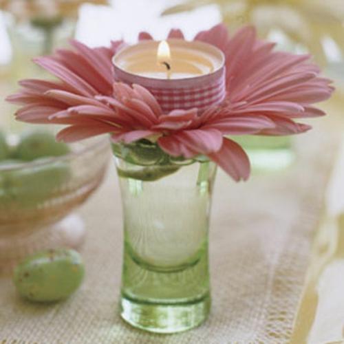 osterdekoration windlicht gerbera rosa