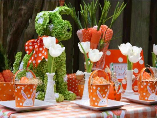 osterdeko ideen frühlingsblumen ostereier möhren aus papier tischdeko in orange