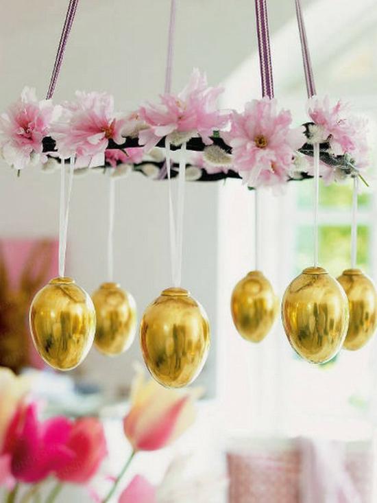 osterdeko ideen ostereier gold kronleuchter dekorieren