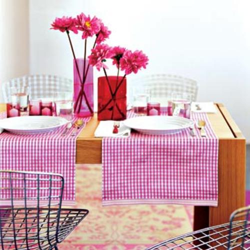romantische ideen zum valentinstag tischdeko in rosa blumen