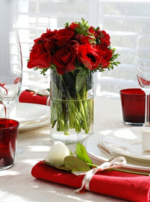 romantische bilder mit kerzen und rosen raum und m beldesign inspiration. Black Bedroom Furniture Sets. Home Design Ideas