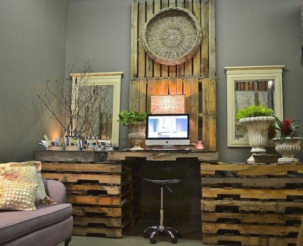 21 diy schreibtische aus europaletten geld sparen selber einrichten. Black Bedroom Furniture Sets. Home Design Ideas