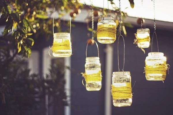teelichter gläser Bastelideen im Garten gartenbeleuchtung selber machen