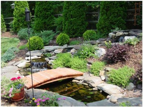 Teichbrücke selber bauen - tolle Bilder für Ihre Gartengestaltung