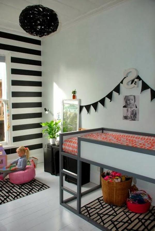 Wandfarbe Ideen mit elegnaten Streifen in Schwarz und Weiß