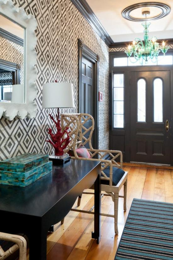 Wandgestaltung mit gemusterten Tapeten nach dem möbelstil gestalten