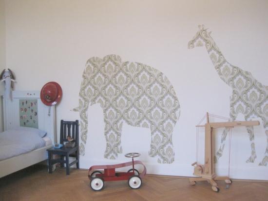 Dekoideen Kinderzimmer Dschungel : Wandgestaltung mit gemusterten ...